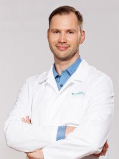 Dr. Martin Adamson